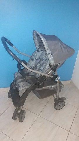 Carrinho de Bebê + Bebê Conforto -