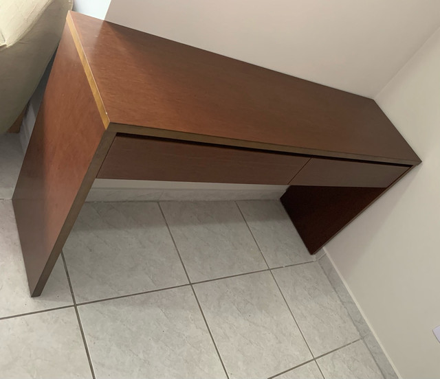Aparador em madeira 2 gavetas - Imbuia/Carvalho - Foto 2