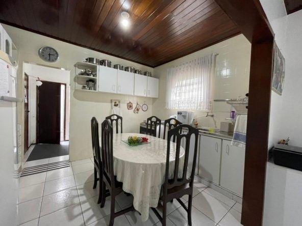 RS Casa com 03 quartos e 250 metros no Vinhais