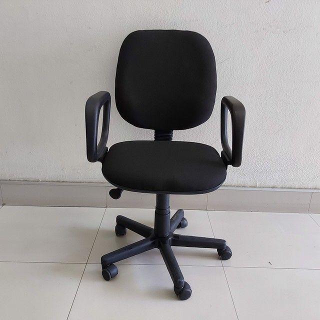 Cadeira Diretor Tecido Braço com Regulagem Escritório - Foto 2