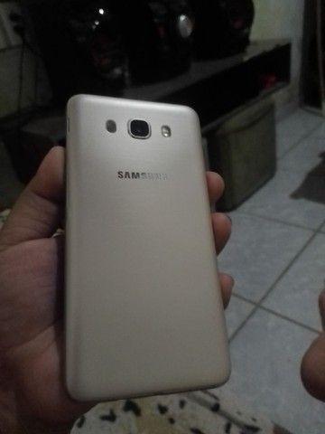 Samsung J7 metal pouco trincado em cima mas todo ok!