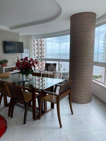 Lindo Apartamento com Ampla Sacada e Vista para o Mar na Barra Sul