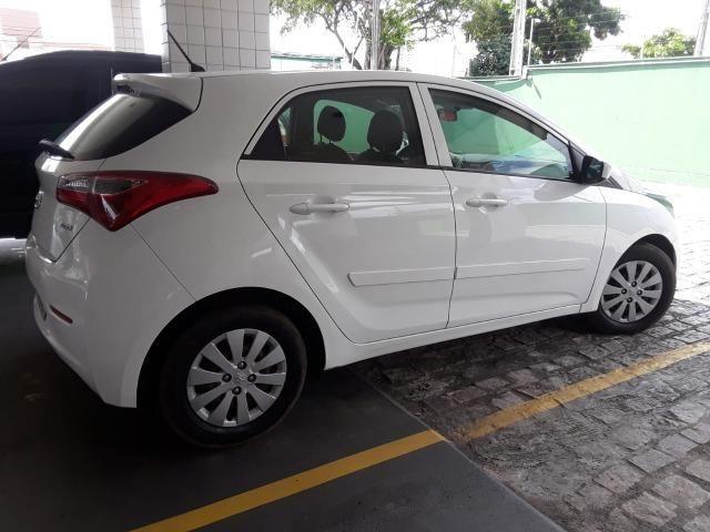 Vendo Carro HB20 2014 completo com bancada de couro - Foto 3