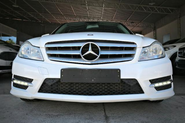 Mercedes Benz C180 Sport Turbo 1.6. Branco 2013/2014