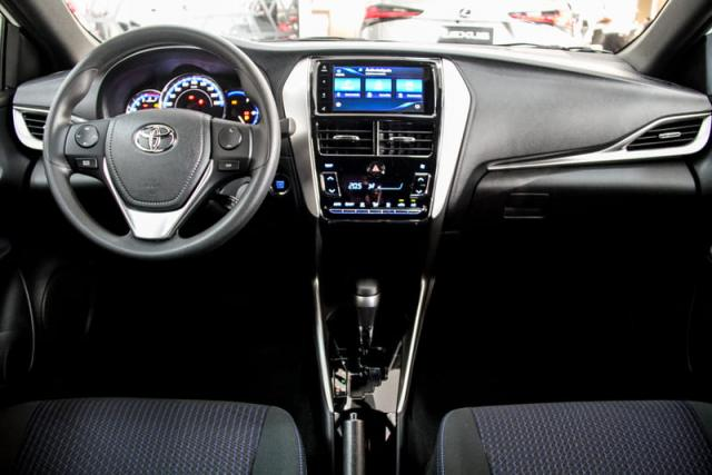 TOYOTA YARIS HATCH XL PLUS AT 19/20 - Foto 14