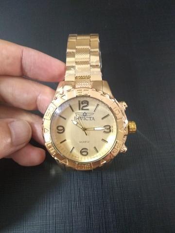 db24467649c Relógio Masculino Dourado em aço 1903014 - Bijouterias