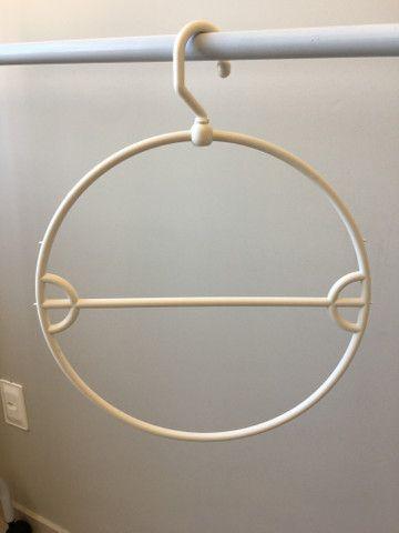 Cabide redondo para biquínis - Foto 3