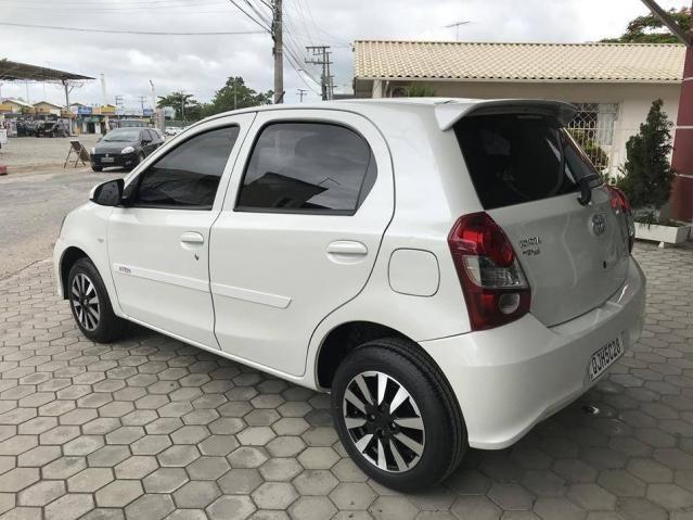 Toyota Etios Hatch X 1.3 Flex Automático 2019 (Único Dono) Branco Pérola - Foto 7