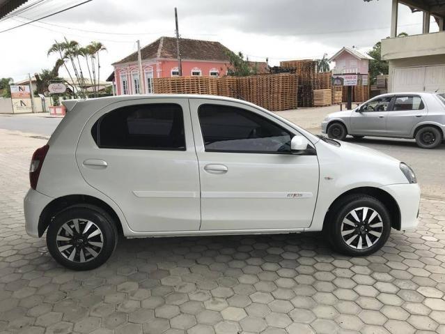 Toyota Etios Hatch X 1.3 Flex Automático 2019 (Único Dono) Branco Pérola - Foto 12