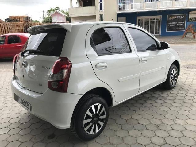 Toyota Etios Hatch X 1.3 Flex Automático 2019 (Único Dono) Branco Pérola - Foto 11