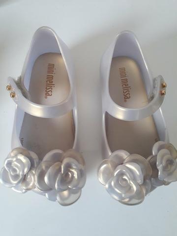 Sapatos semi novos e mto conservados Melissa tamanho 19 e sapato tamanho 20