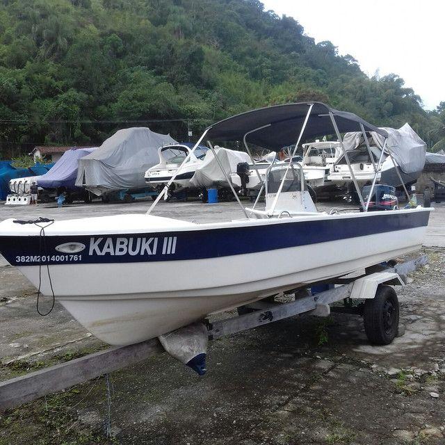 Barco de fibra 5,30 mts motor Mercury 40 hp partida eletrica - Foto 5
