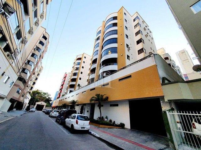 Apartamento a venda com Ampla Sacada com Churrasqueira - Foto 4