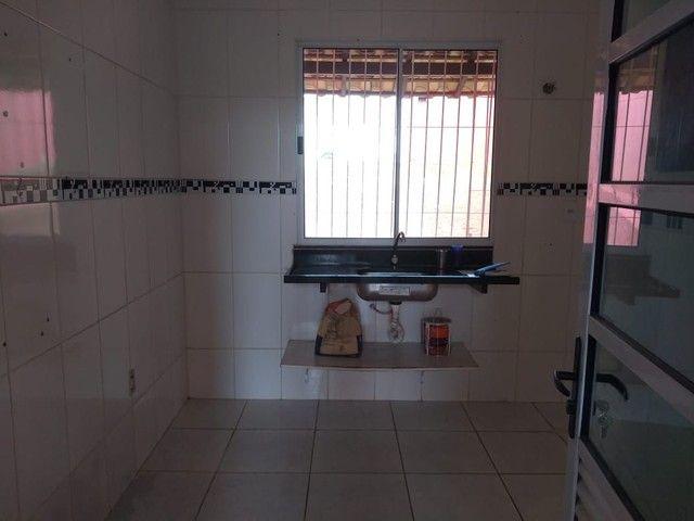 Passo financiamento de uma linda casa no bairro Floresta Encantada  - Foto 6