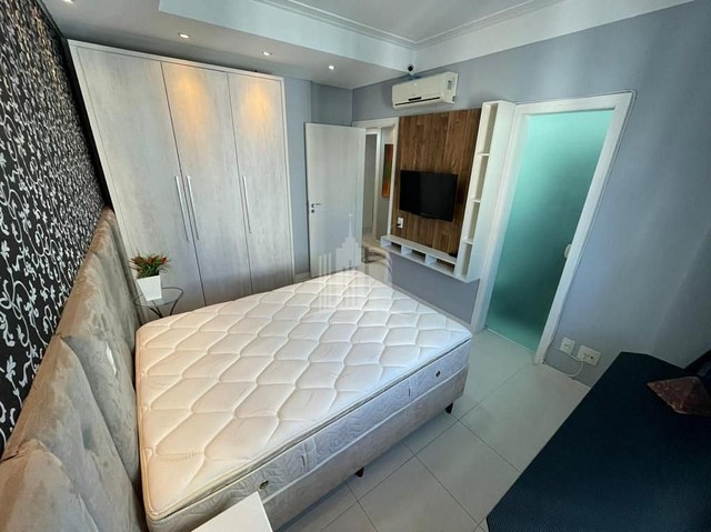 Apartamento Decorado com 03 Dormitórios a 250 metros do Mar - Foto 12