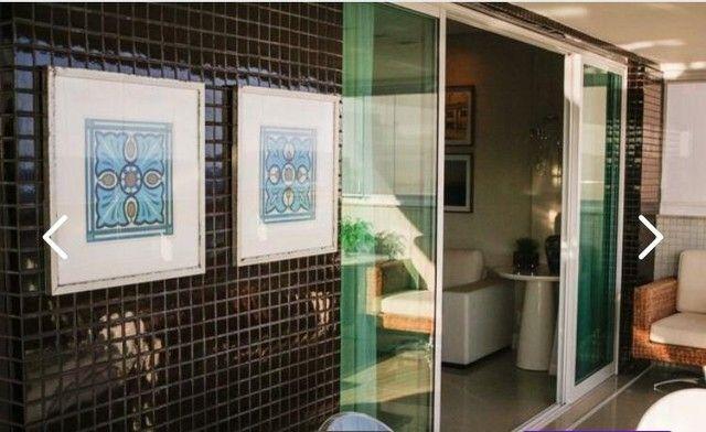 Apartamento para venda tem 209 metros quadrados com 4 quartos em Pituba - Salvador - BA