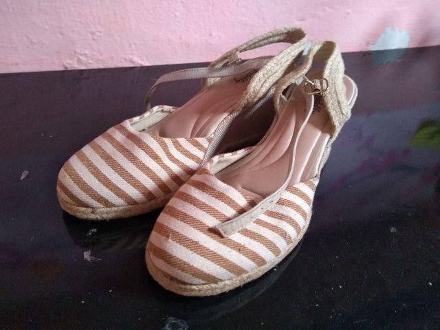 4 pares de calçados número 39.  - Foto 5