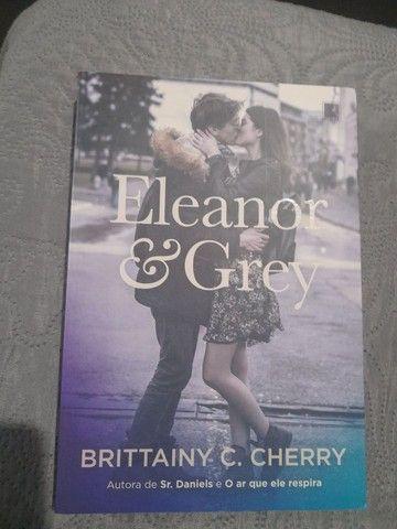 Livro Eleanor&Grey