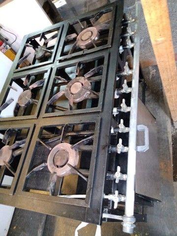 Fogão 6 bocas industrial com forno - Foto 2