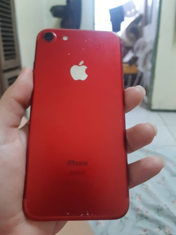 iPhone red 7