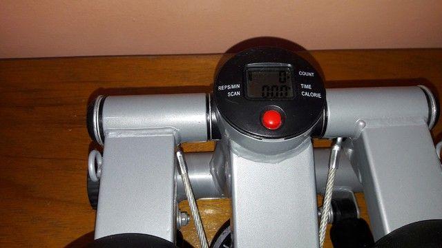 Stepper Simulador De Caminhada - Com Regulagem De Peso - Semi novo  - Foto 6