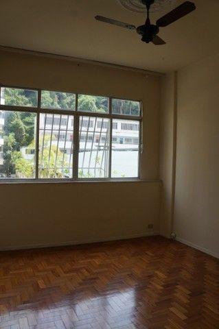 Apartamento Rua Miguel de Frias ao lado Colégio São Vicente