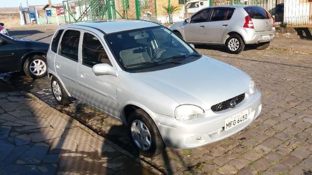 Corsa hatch millenium 2002 impecavel