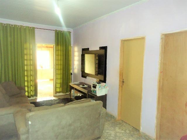 Casa 3 quartos um com suite, 3° rua atras da feira do produtor, 200 metros da upa - Foto 6