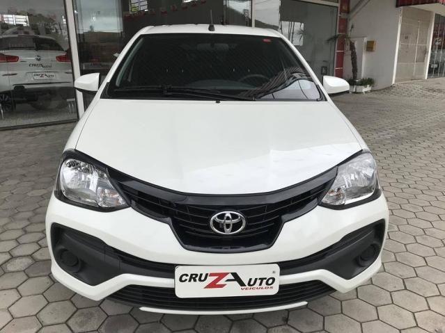 Toyota Etios Hatch X 1.3 Flex Automático 2019 (Único Dono) Branco Pérola - Foto 3