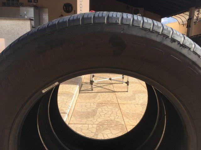 Pneus Bridgestone (usados) 225 65 R17 para Honda CRV