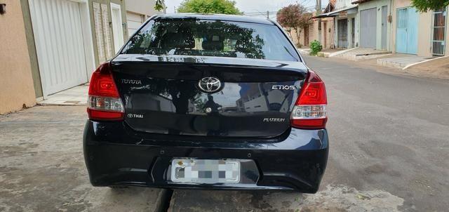 Etios 1.5 platinum automático 17/18 sedan - Foto 14