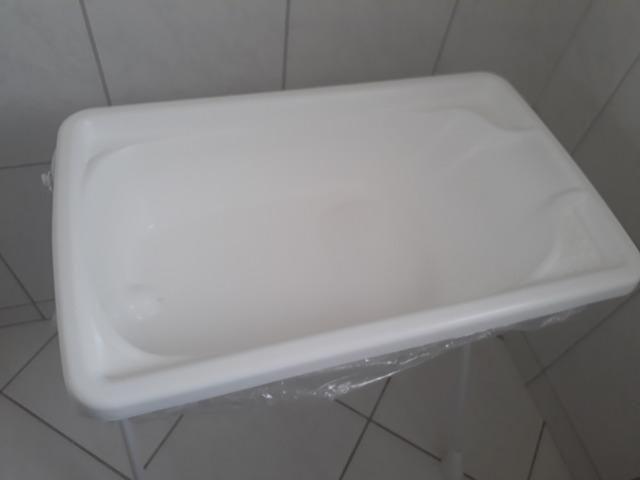 Banheira para bebê Burigotto com suporte - Foto 2