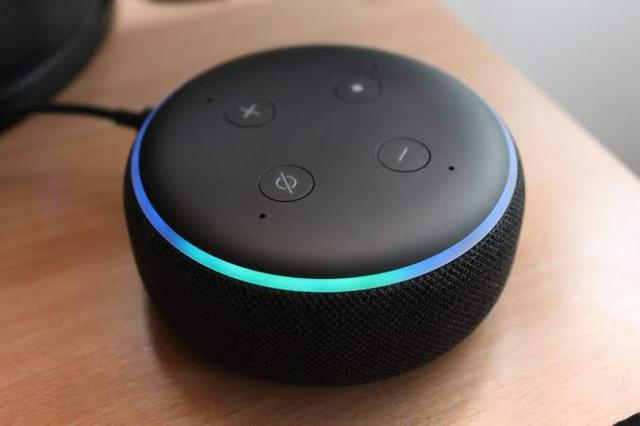 Echo Dot Amazon Alexa