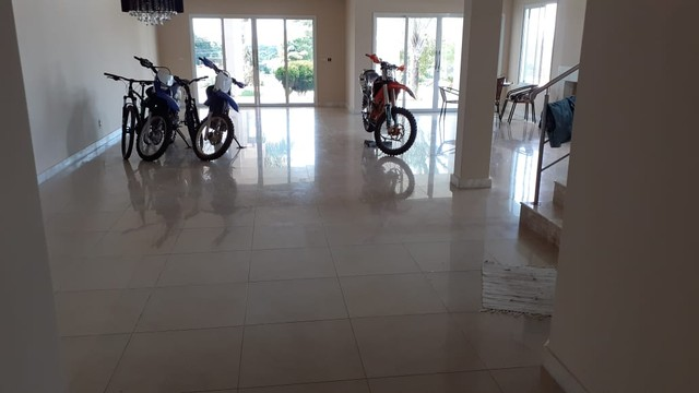 Casa em condomínio. 5 quartos, 3 suítes sendo 1 master com hidro. Lote 1000 m2. Lagoa Sant - Foto 8