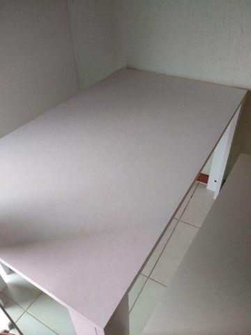 Mesa com bancos - Foto 3