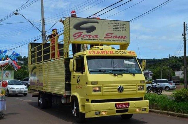 Vende-se caminhão VW 7100 trio elétrico - Foto 6
