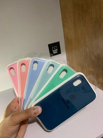 Capas/Cases para iPhone 7/8/X/11 e vários outros modelos. Estilo case original.
