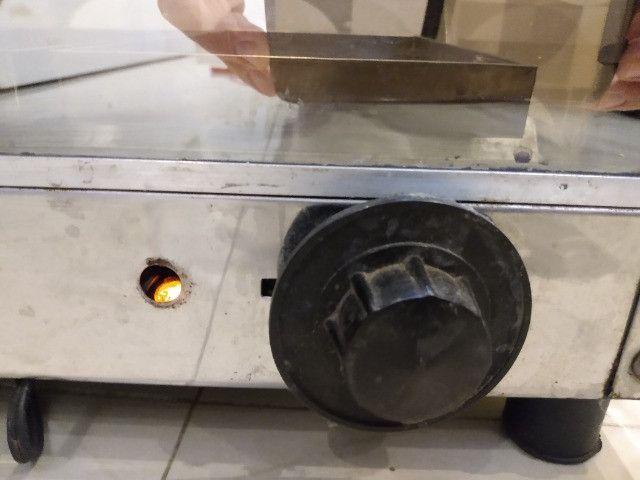 Vendo estufa elétrica de Salgados com 5 bandejas - Foto 2