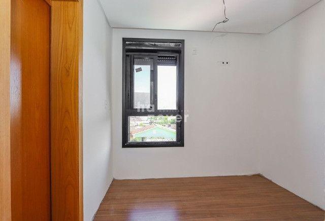 Apto 2 Dormitórios com 2 Suítes e Elevador em Camobi - Foto 17