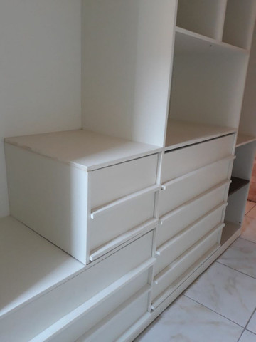 Guarda roupa, tipo closet,   com 2,80 de altura,  2,60 de comp. 50 cm de larg.