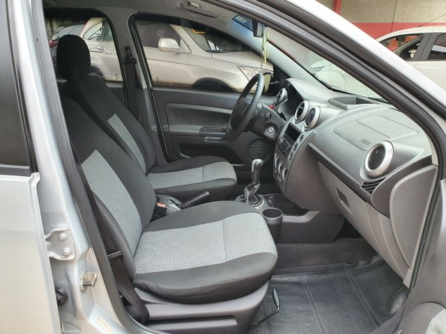 Fiesta Sedan Class 1.6 completo - Foto 10