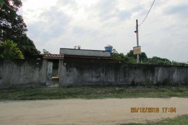 Chácara plana e murada, 2 casas, condução a 150 metros, favor ler o texto!! - Foto 5