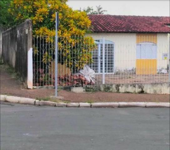 Casa 200 mil CPA 02 na Av. de esquina com 03 quartos