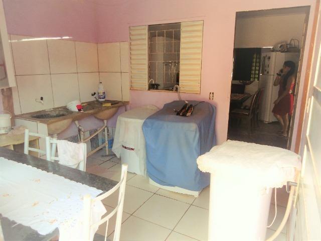 Casa 3 quartos um com suite, 3° rua atras da feira do produtor, 200 metros da upa - Foto 8