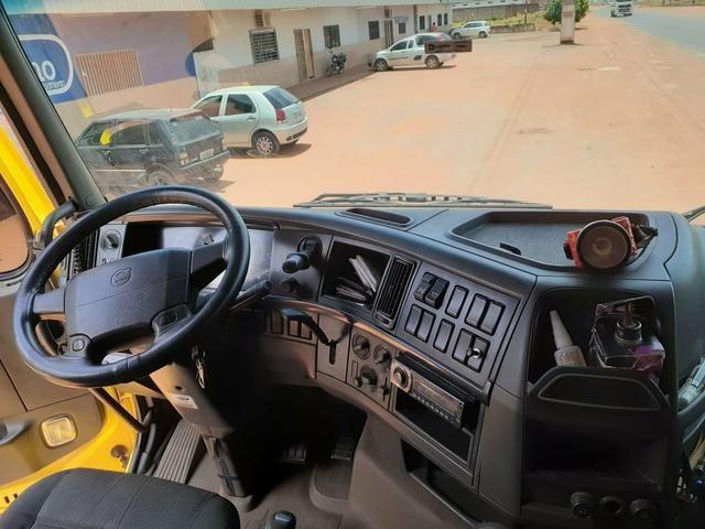 Volvo Fh 440 6x4 i-shift 2009/2010 Rodotrem Guerra 2010/2010 com pneus