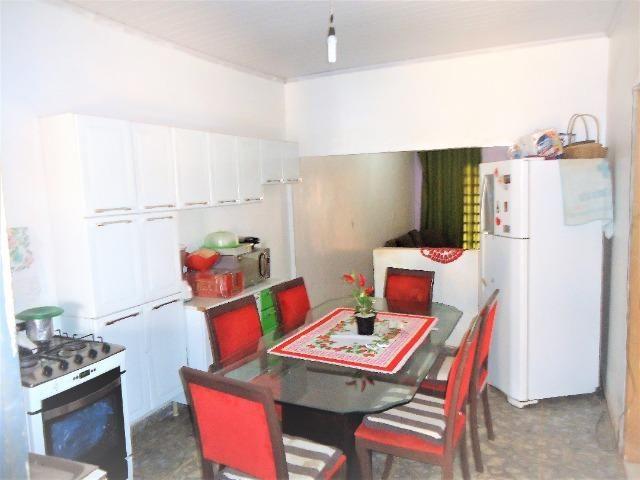 Casa 3 quartos um com suite, 3° rua atras da feira do produtor, 200 metros da upa - Foto 4