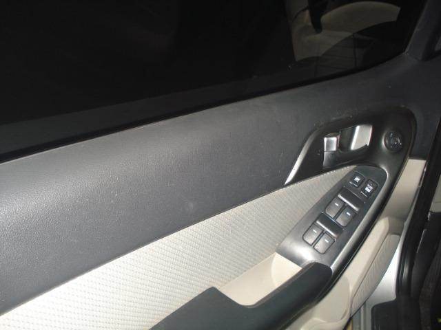 Kia Motors Cerato 2010/2011 - Foto 4