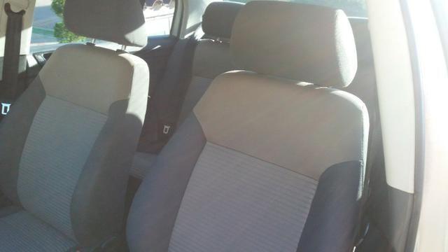 Polo Sedan Comfortline 2.0 2007 - Foto 4