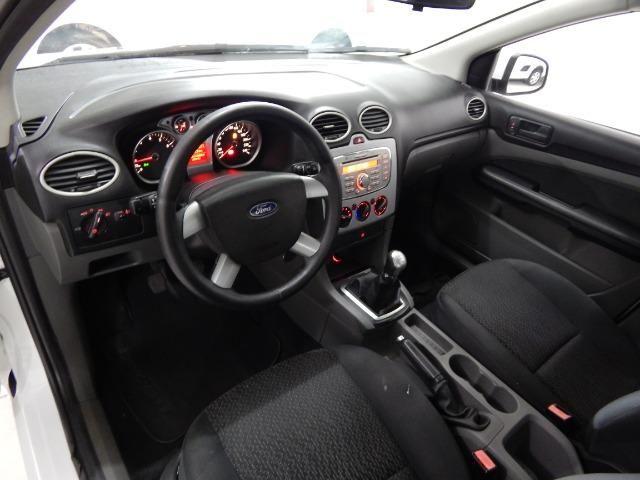 Ford Focus sedan 1.6 - Foto 7