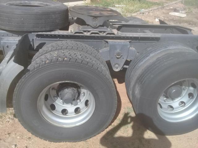 113 92 10 pneus semi novo